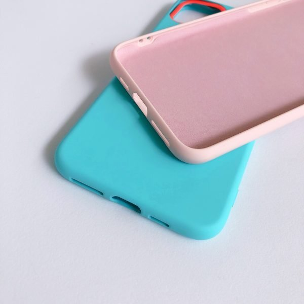 Mobile phone case hits macaron