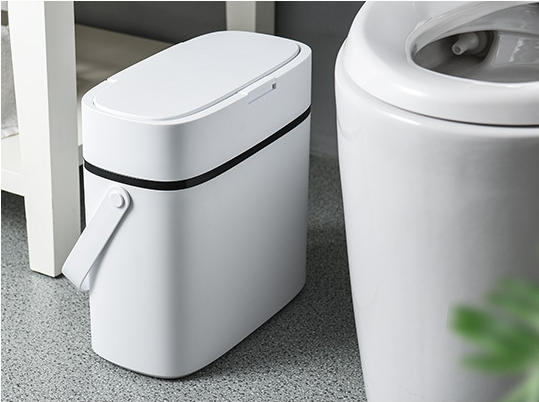 Household sanitary bucket